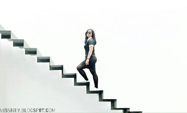 tangga di dia.lo.gue art space kemang