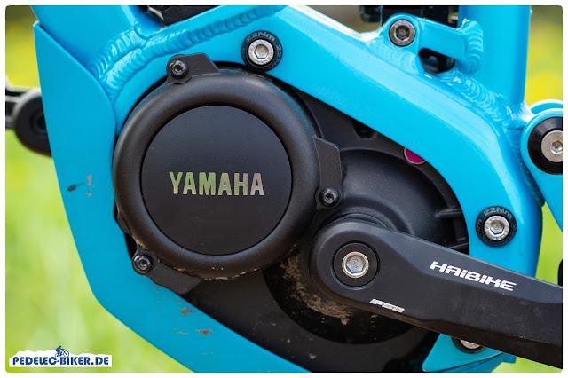 Der Yamaha PW-SE am Haibike FullLife unterstützt in höheren Trittfrequenzen als der Yamaha PW.