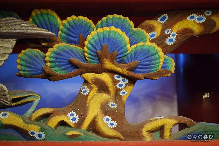 fresque sculptée, motif d'arbre, sanctuaire Iwashimizu Hachiman-gû, Yawata