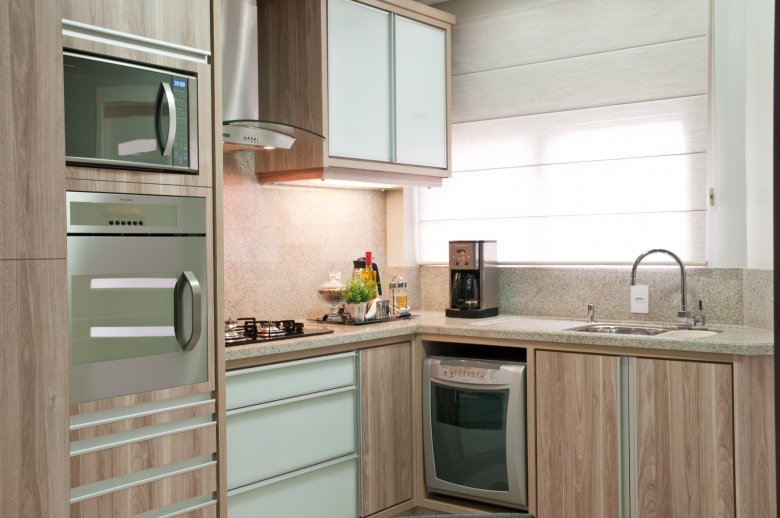Cozinhas com bancadas de granito branco!  DecorSalteado # Cozinha Pequena Com Duas Cubas