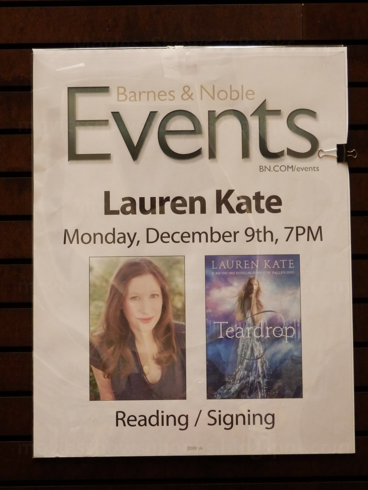 Movies Shows Books Lauren Kate Stops In Barnes Noble At The