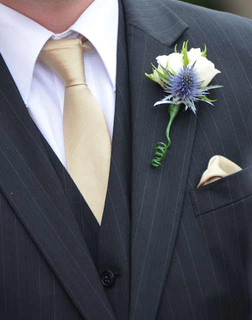 What Side Do You Wear A Buttonhole At A Wedding