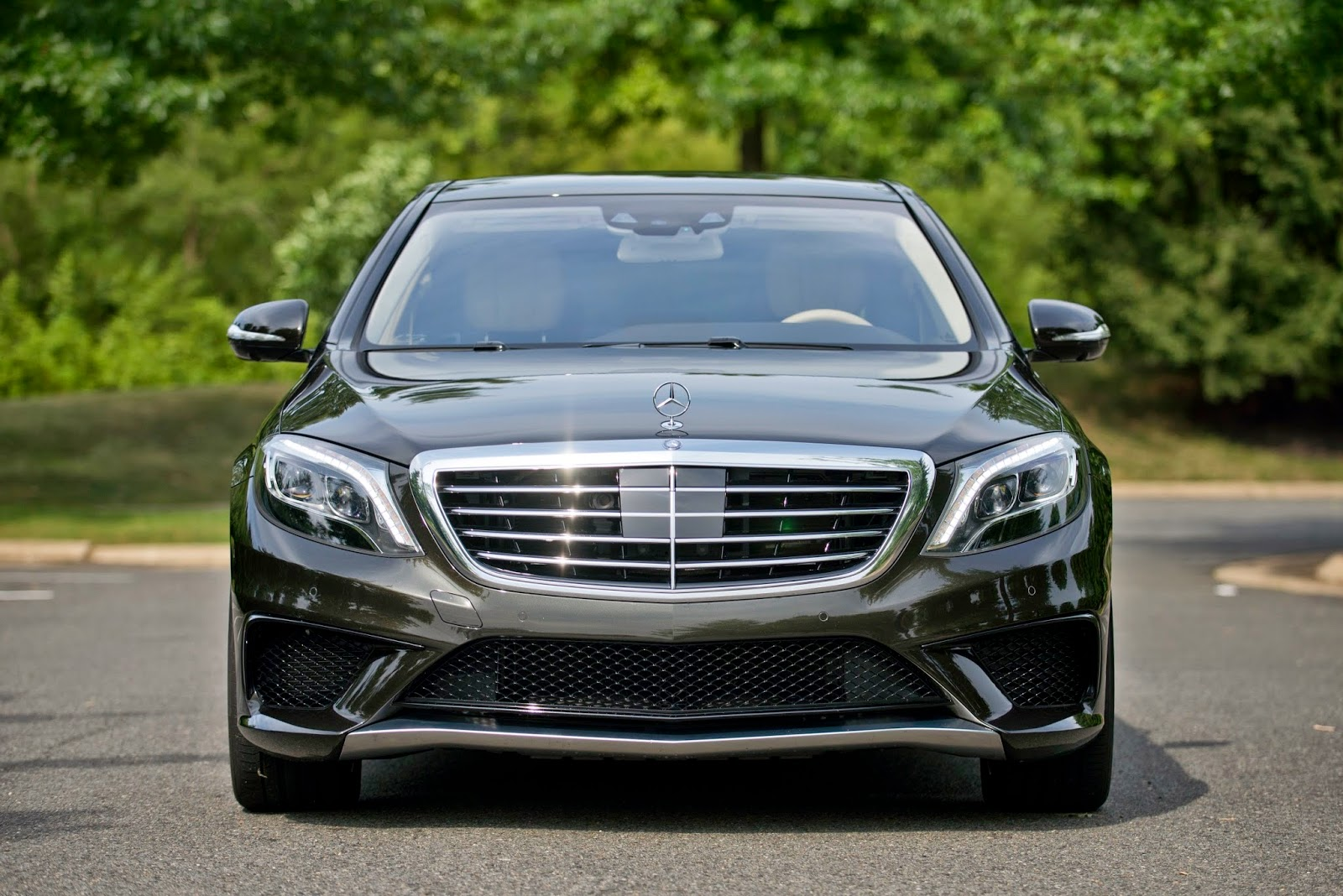 Automotiveblogz 2014 mercedes benz s63 amg 4matic sedan for Mercedes benz amg s63
