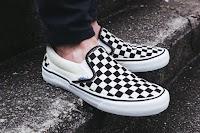 Vans Checkerboard Slip-on (Black/ White)