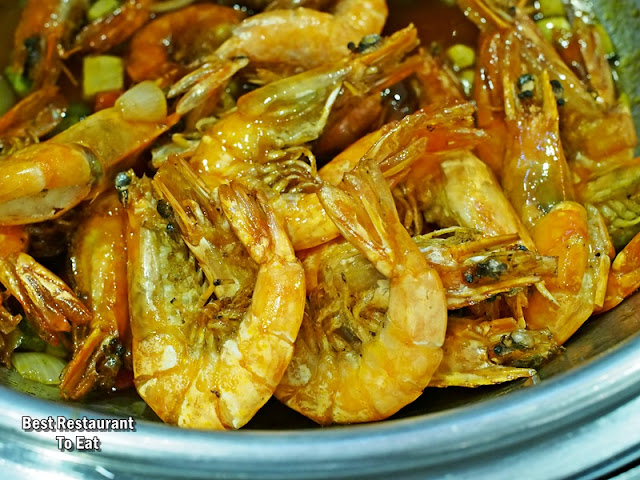Big Apple Christmas 2018 and New Year 2019  Stir Fried Prawns With Sweet and Sour Sauce