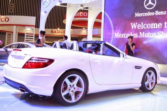 Mercedes SLK 350 AMG màu trắng 03