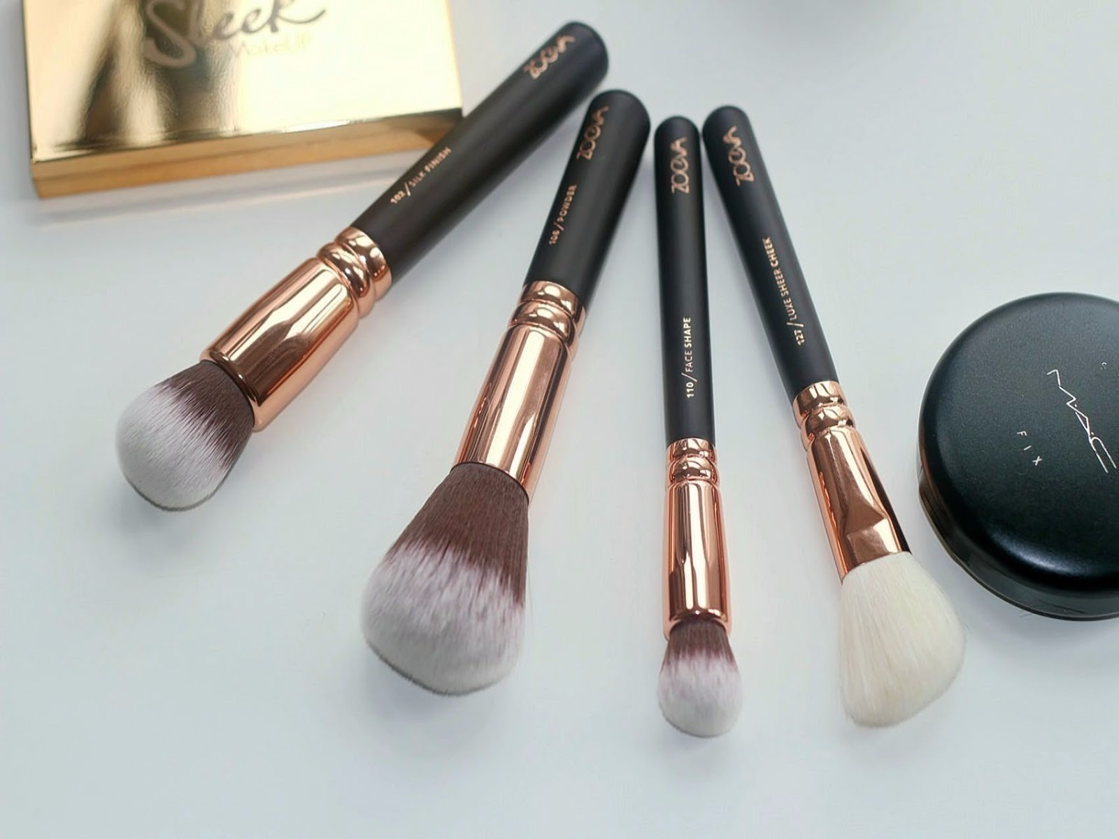 Tomi Kay Does Beauty Zoeva Rose Golden Brush Set Review