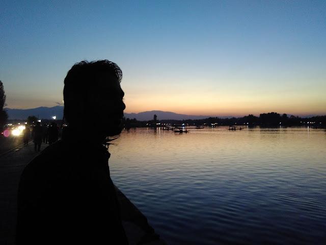 walk near dal lake