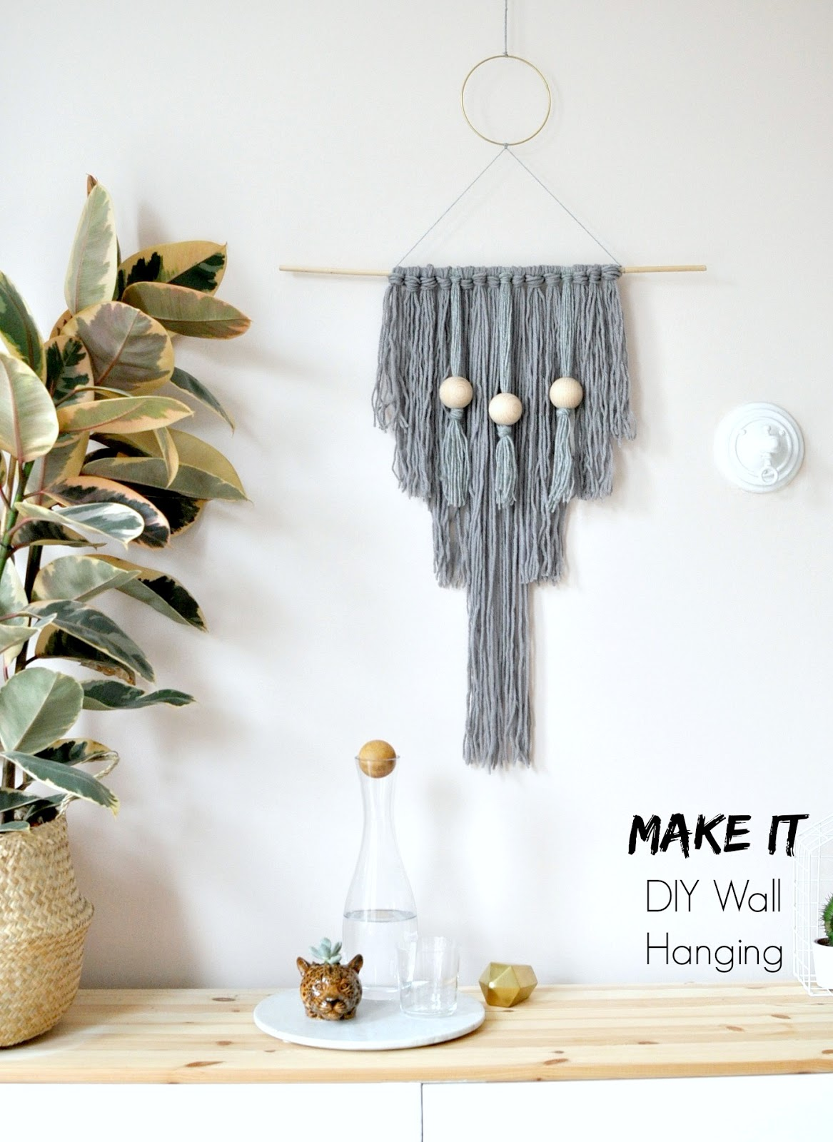 DIY room decor, diy wall art, diy wall hanging, make you own, diy art, yarn wall hanging, spare room, spare room decor