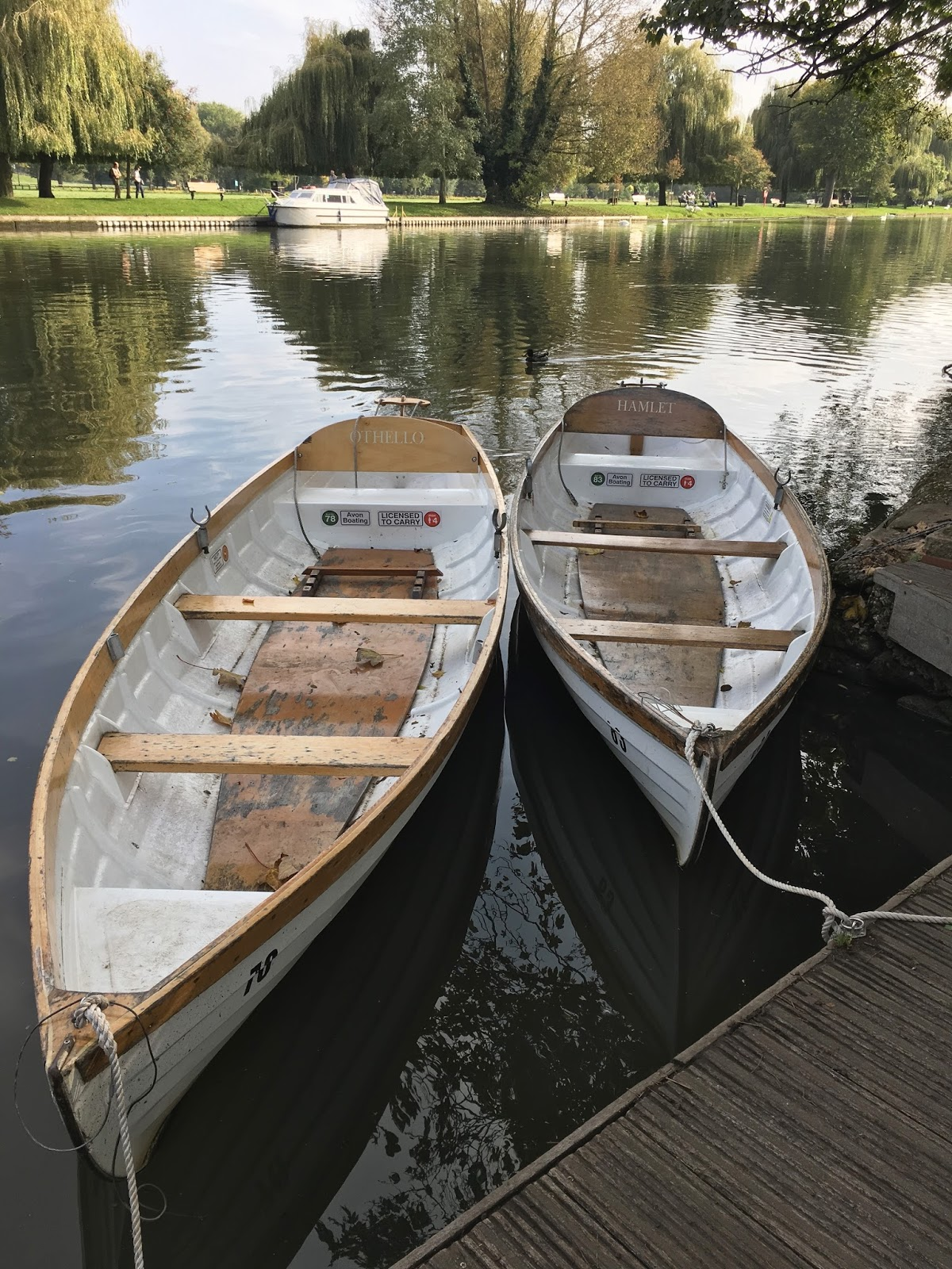 Rowing boats \ River Avon \ Stratford Upon Avon \ Travel \ Priceless Life of Mine \ Over 40 lifestyle blog