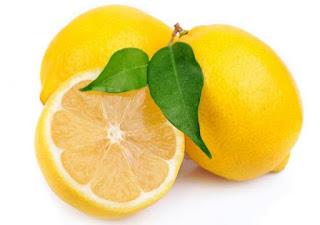 Cara menghaluskan kulit wajah secara alami dengan lemon