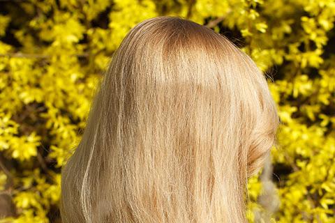 Puszenie się włosów | Jak skutecznie dociążyć włosy? - czytaj dalej »