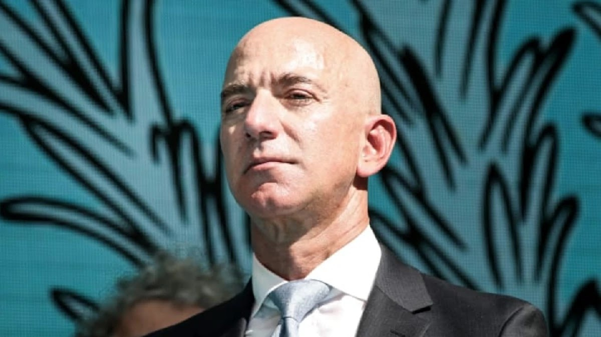 World's Richest Man, Jeff Bezos, Owner Of Amazon Asks For Public Donations To Pay COVID-19 Workers' Sick Leave