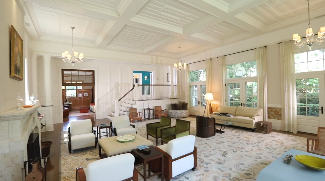Tour 50 Middle Ln, East Hampton, NY vs. 29 Interior Design Photos
