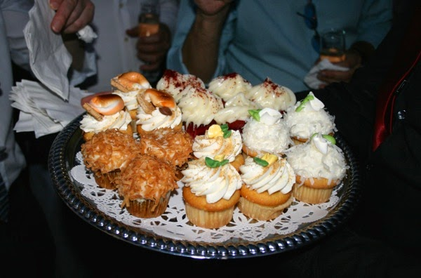 Sweet Lady Jane wedding party cupcakes