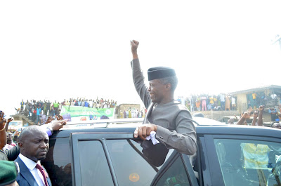 Mammoth Crowd Join Kwara APC To Welcome VP Osinbajo