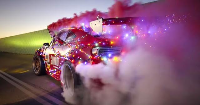 あのフェラーリエンジン搭載のトヨタ86がクリスマス仕様にドレスアップ!