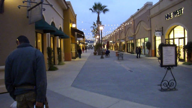 Compras no Las Americas Premium em San Diego