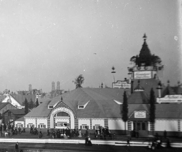 historische Aufnahme vom Oktoberfest in München - Schottenhammel - um 1910