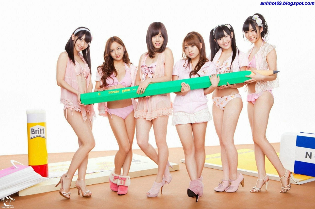 Atsuko Maeda - World Girls AKB48