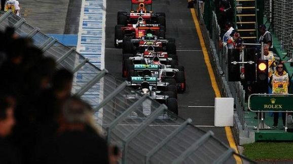 Terkena Penalti Pembalap Indonesia Rio Haryanto start dari posisi buncit di F1 Australia
