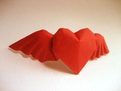 gấp giấy origami hình trái tim có cánh