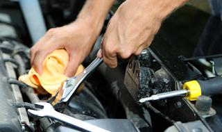 5 مشاريع السيارة السهلة DIY (و 5 يجب أن تترك للمحترفين)