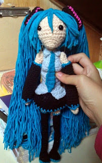 http://translate.googleusercontent.com/translate_c?depth=1&hl=es&rurl=translate.google.es&sl=en&tl=es&u=http://crochetfangirl.blogspot.tw/2013/02/hatsune-miku-free-amigurumi-pattern.html&usg=ALkJrhhkzhUTbAVC99e5DIGFQihsdnZJWw