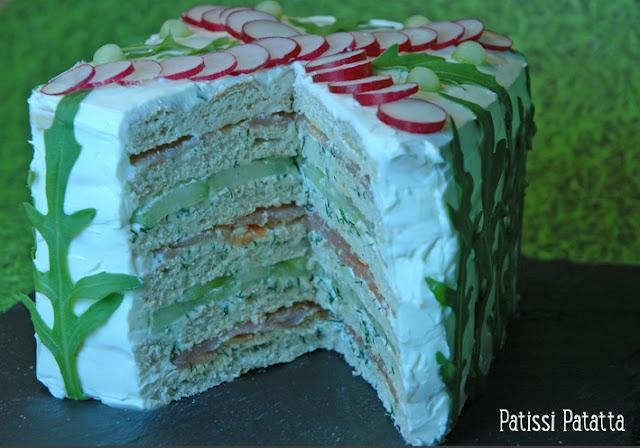 sandwich cake au saumon, gâteau au saumon, food design, comment faire un sandwich cake, beau et bon, saumon pour les fêtes, le plus beau des sandwich, saumon et pain suédois, gâteau salé, sandwich suédois, sandwich gâteau