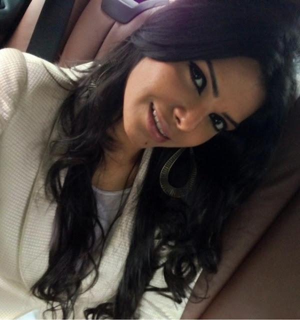 Sherlyn-Chopra-Beautiful-Photo