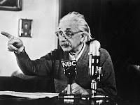 نصائح هامة من أينشتاين للنجاح