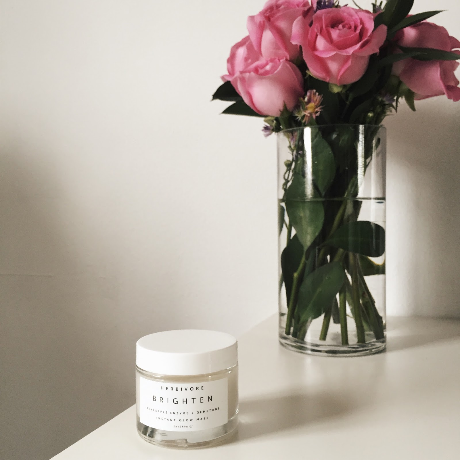 Herbivore Botanicals Brighten Pineapple + Gemstone Mask Review