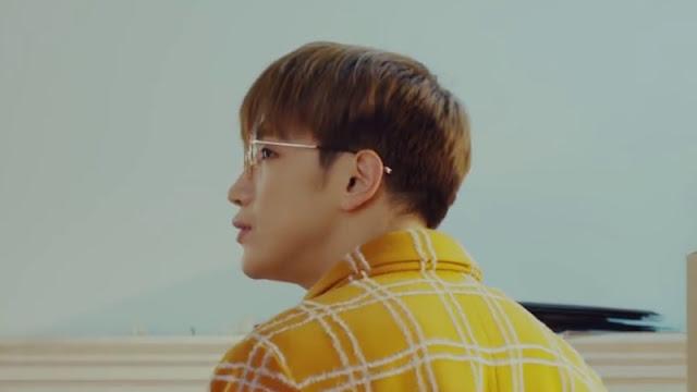 "Lirik dan Terjemahan Lagu ""A Moving Day 이사하는 날"" - JUN.K"