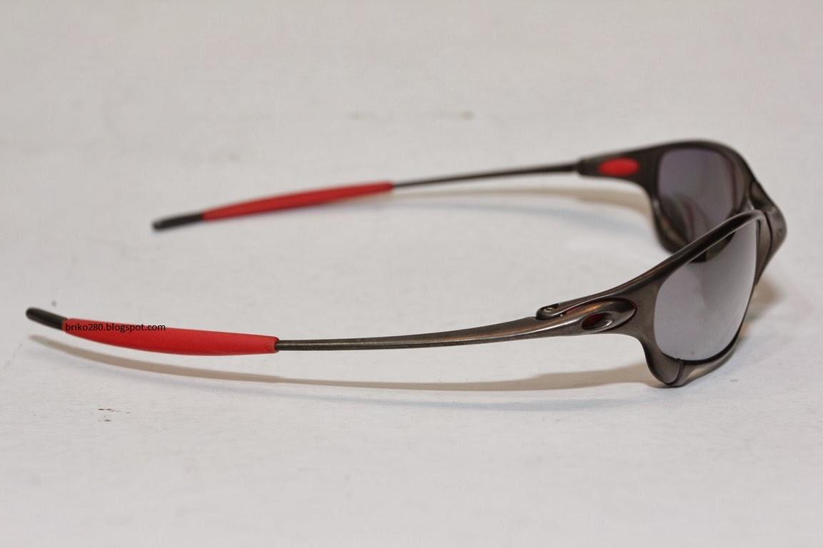 Oakley juliet ducati | mista. Shilla | flickr.