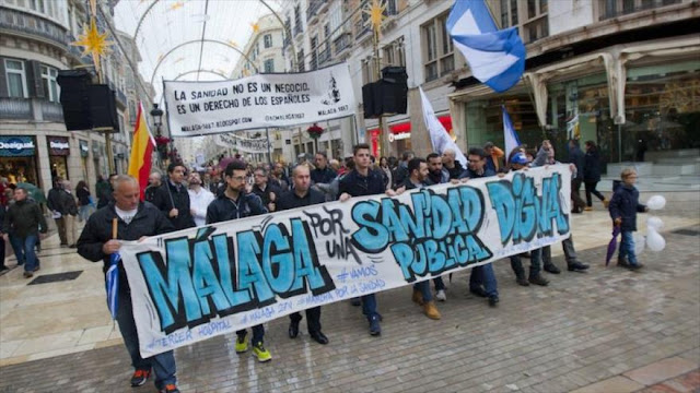 """Miles de españoles protestan en reclamo de """"una sanidad digna"""""""
