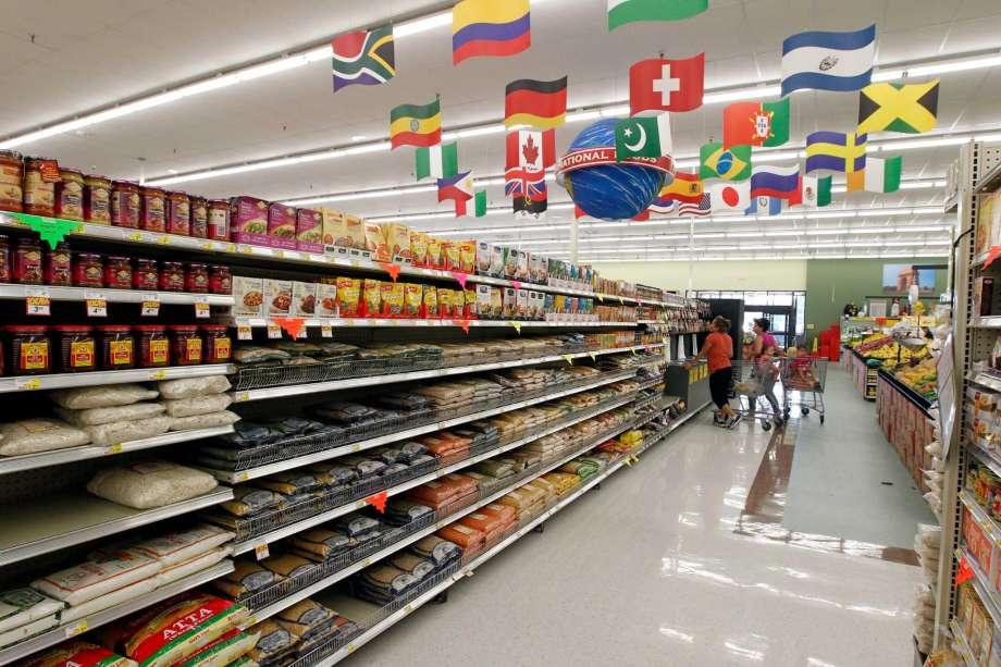 Kệ sắt để hàng trong các hệ thống siêu thị