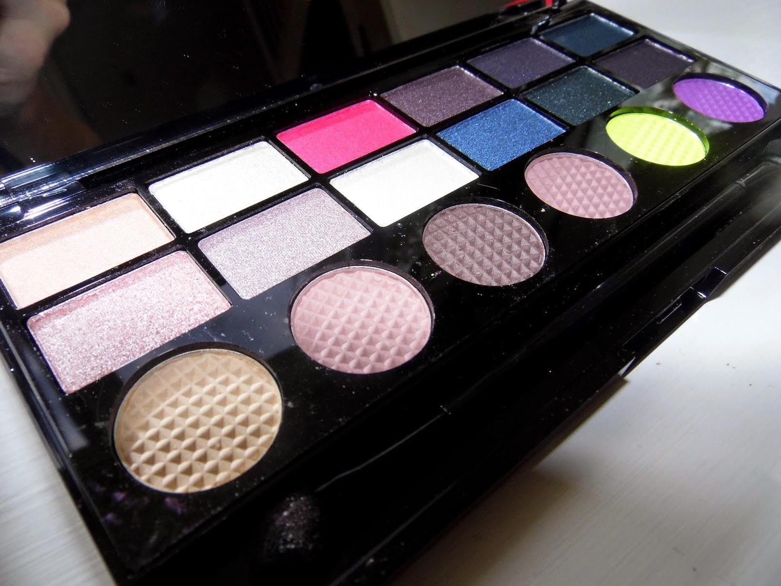 Makeup Revolution - Dia de los Muertos Eyeshadow Palette