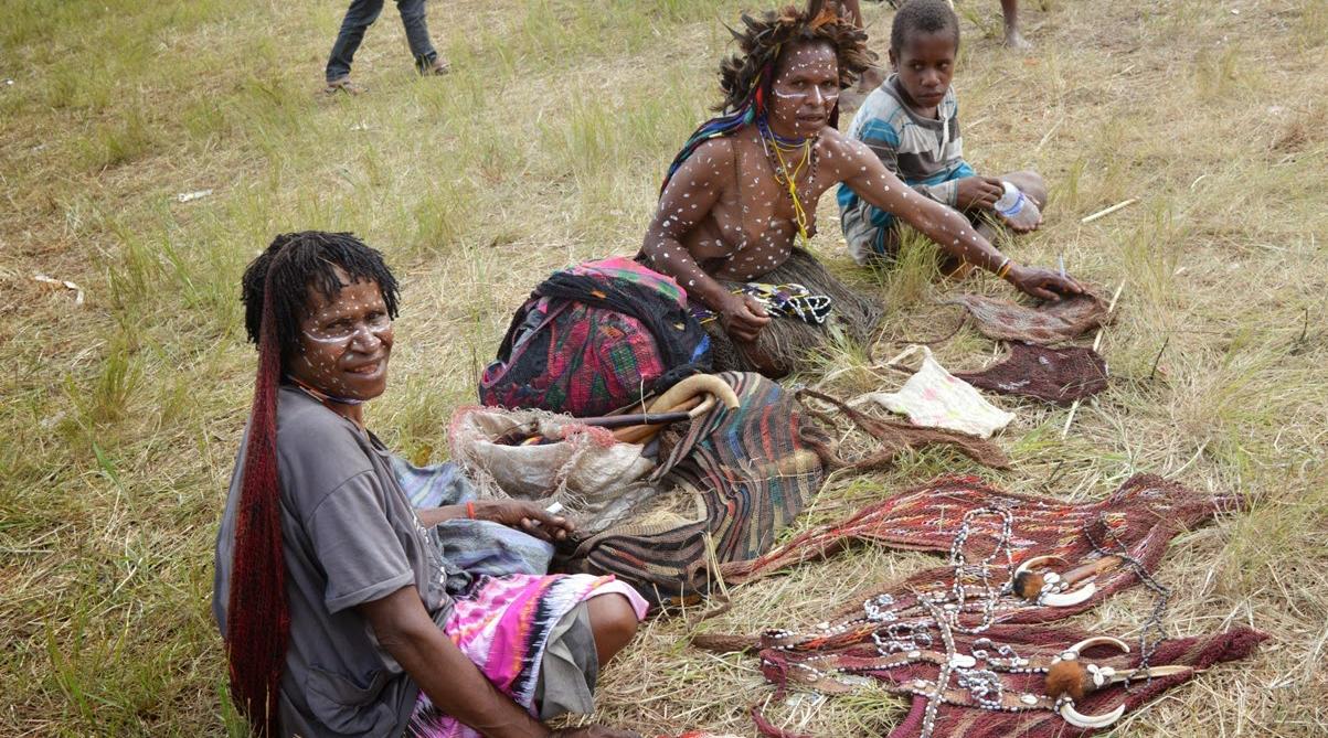 Pasar Kaget di Wamena jual koteka harga murah