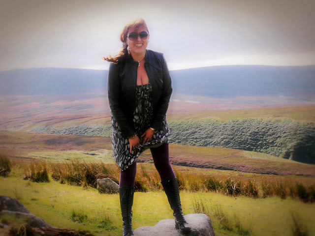 OODT : Dr Martens, Vero Moda na tle Wrzosów w Irlandii / Dr Martens, Vero Moda against heathers in Ireland