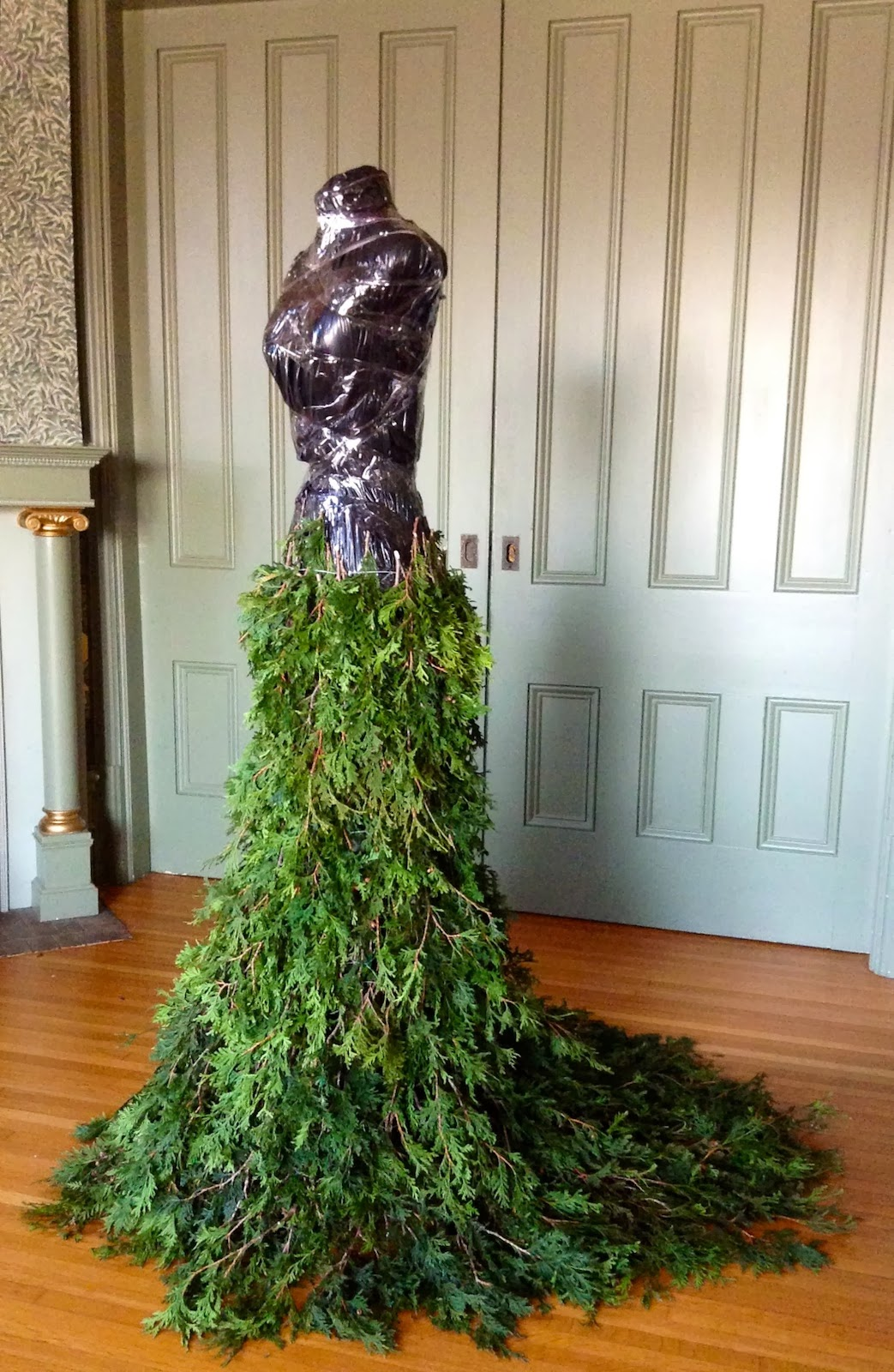 1000 Images About Christmas Tree Dress On Pinterest
