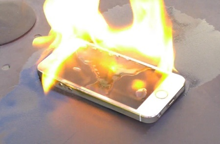 Shocking! Man Dies in House Fire After iPhone Overheated While Charging