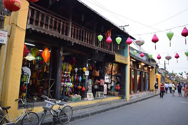 viajar a vietnam - Calle de Hoi An