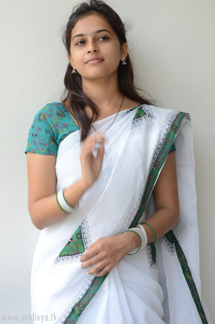 02 sri divya23 - Actress Sri Divya's Hot & Spicy Images In Saree|Top 25-Spicy Photos|decide to go NO Glamour in Her Movies