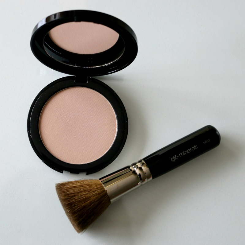 Glo Minerals Pressed Base Beige Light Ultra Brush