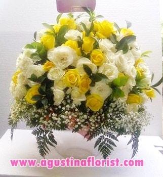buket-bunga-meja-mawar-kuning-toko-bunga-agustina
