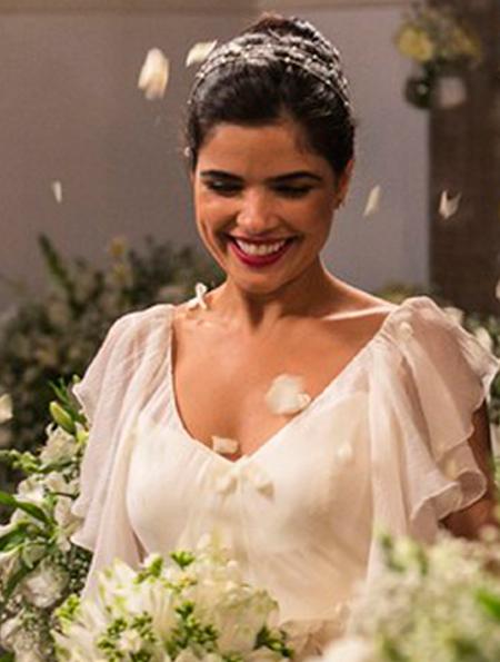Toia (Vanessa Giacomo) vestido de noiva, A regra do jogo, casamento Romero