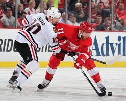 NHL : Hawks-Wings in Original Six Battle