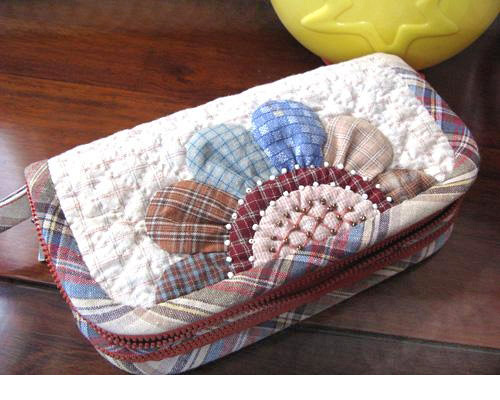 Accordion Wallet. Patchwork and Quilted Sewing Projects. DIY Photo Tutorial and Pattern.
