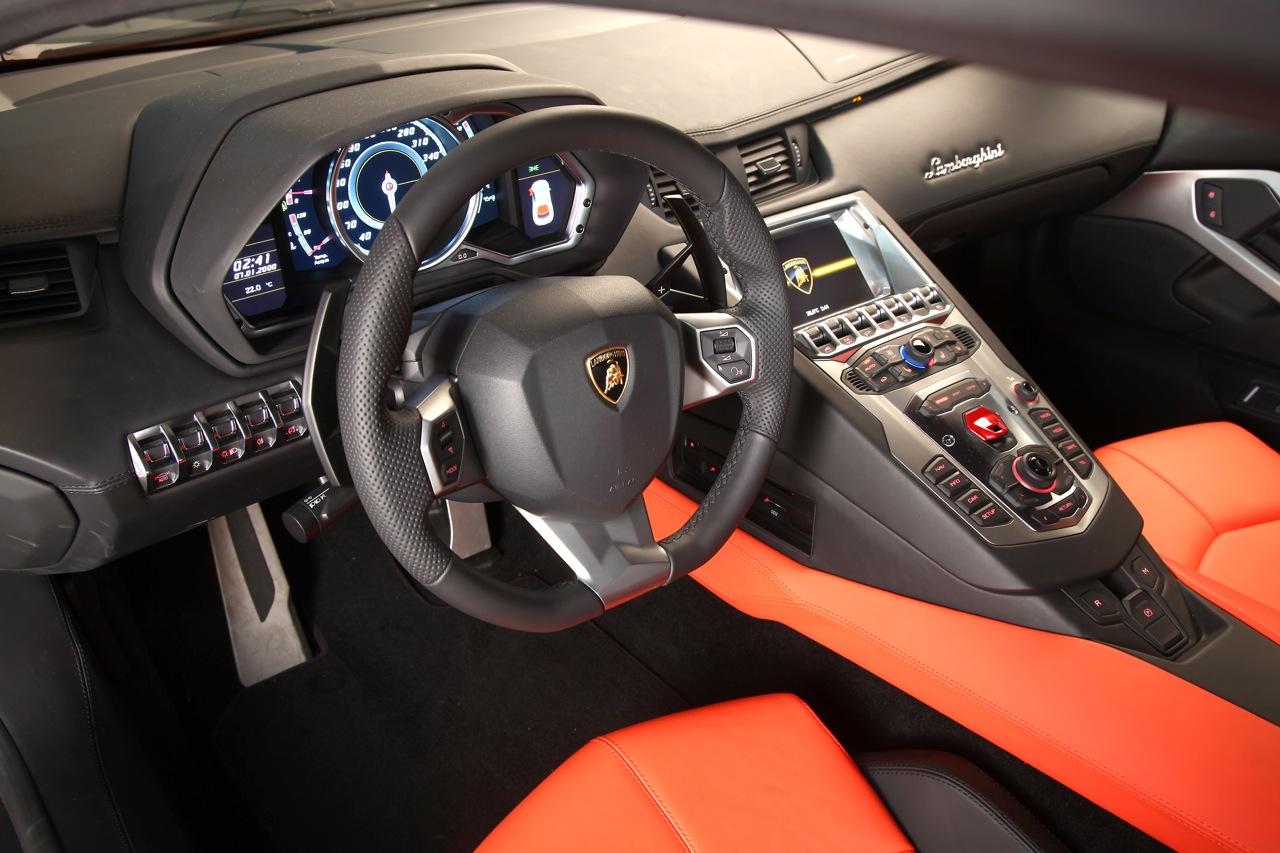 Lamborghini Aventador LP700-4 Interior