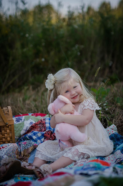 Vintage Charlotte's Web kids photo shoot. Rustic, lace dress. Rustic farm field photo shoot.